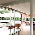 5.800px-Villa_Savoye_salon.jpg