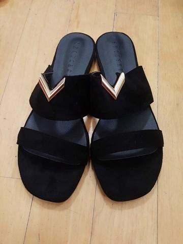 19金屬涼鞋 (1).jpg