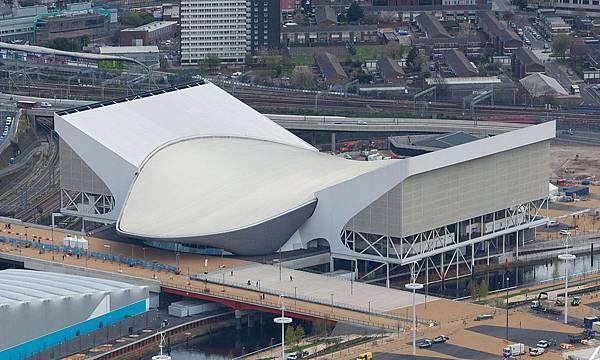1200px-London_Aquatics_Centre,_16_April_2012.jpg