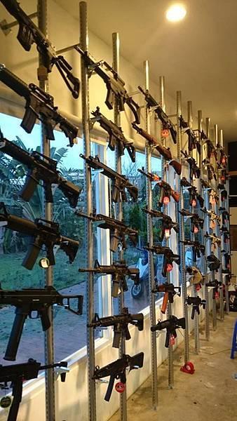 1 槍牆壁