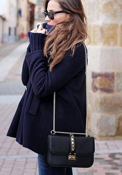 Valentino Glam Lock bag 04.jpg