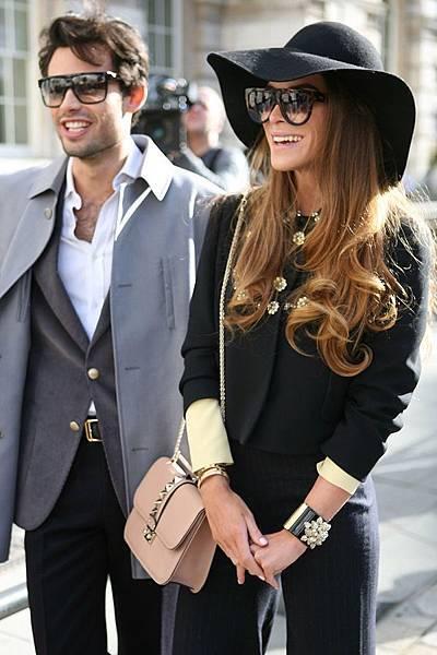 Valentino Glam Lock bag 02.jpg