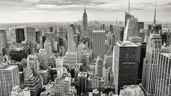 black-and-white-city-skyline-buildings