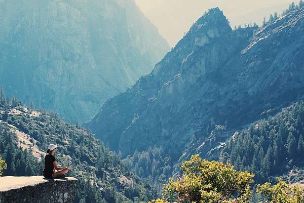 adventure-cliff-environment-906097.jpg