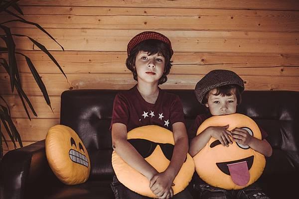 boys-brothers-cap-1564896.jpg