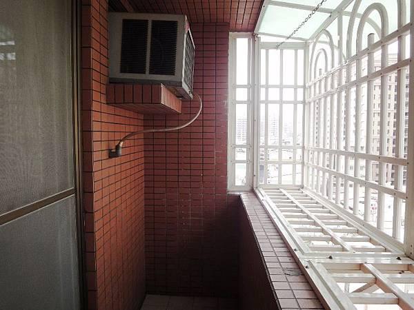 4.1主臥室陽台.JPG