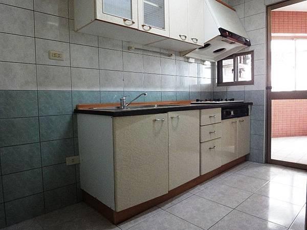 16廚房.JPG