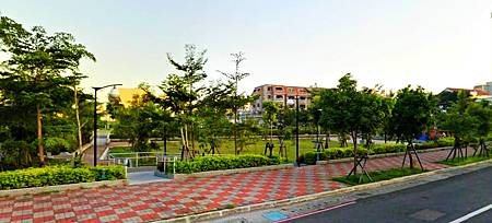 15 附近公園.jpg