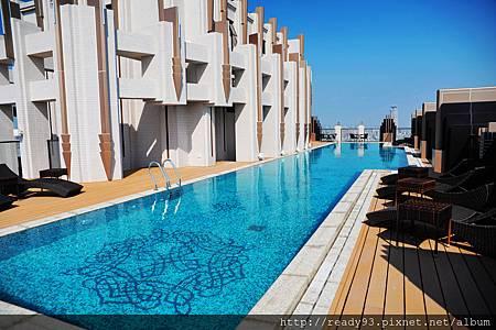 10 景觀泳池.JPG