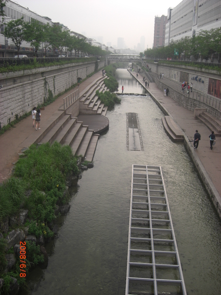 白天的清溪川