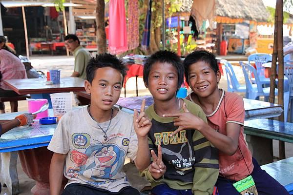 寮國小朋友