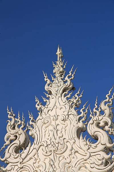 到處都是精緻且繁複的雕花