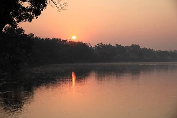 湄公河--日出2