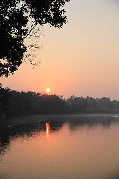 湄公河--日出
