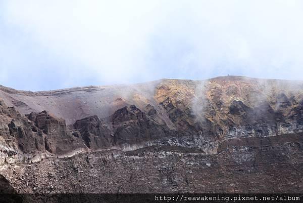 0726火山頂部被雲霧遮蓋