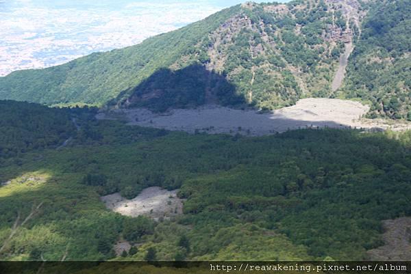 0726仔細看 有維蘇威火山的影子