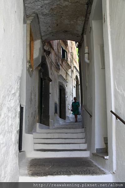 0727到處都是這樣地中海風情的白色階梯