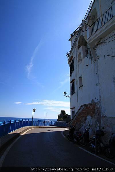 0727就從這邊沿著濱海公路走到Amalfi