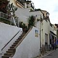 0728 好喜歡這種前面有階梯的小房子 給人好溫馨的親切感