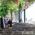 0729 悠閒的南義 常看到有人坐在路邊看書或畫畫