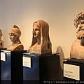 0730 一個莊園中遺留的藝術品 有許多頭部的塑像