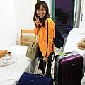 0730 清晨五點半 行李箱女孩再度出發 請注意外面天還沒亮