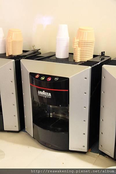 0731 早餐吧的咖啡機