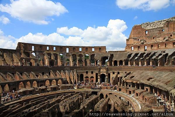 0731 進來囉  壯觀的羅馬競技場 好震撼哪