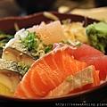 0912 必點推薦  什錦魚丼
