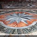 0801 地板上的花紋磁磚