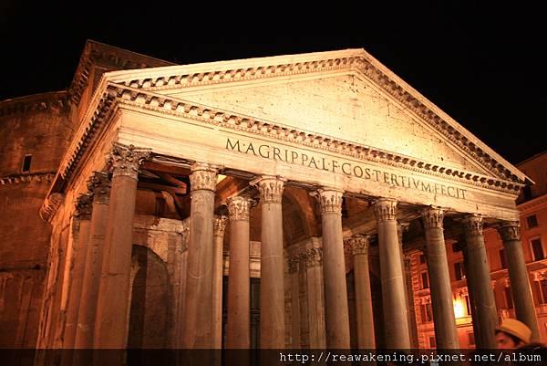 0801 夜間的萬神殿 今天又走了大半個羅馬