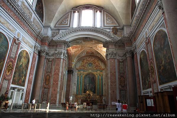 0801 教堂側邊的祈禱室