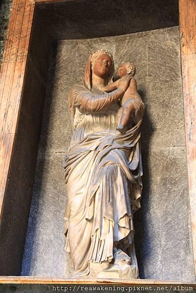 0801 萬神殿 馬利亞與耶穌雕像