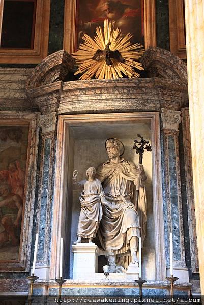 0801 萬神殿中的雕像