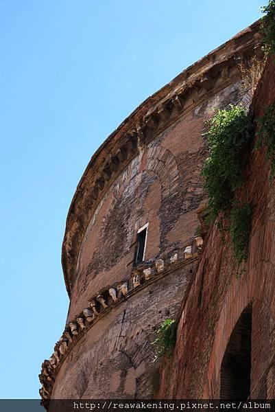 0801 萬神殿的後面 西元一世紀至今的古老建築