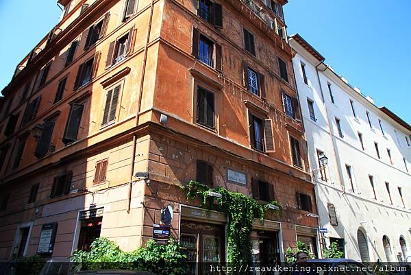 0801 羅馬的街上 房子本身就是古蹟