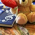 0802 小熊遊世界之 坐在羅馬旅館的餐廳桌上