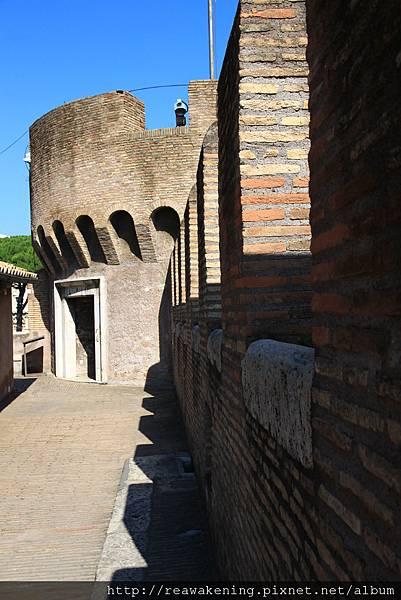 0802 碉堡特有的城牆 一個又一個的凹槽