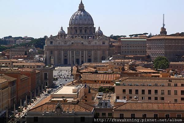 0802 聖彼得大教堂 廣場上的人好像小螞蟻一樣