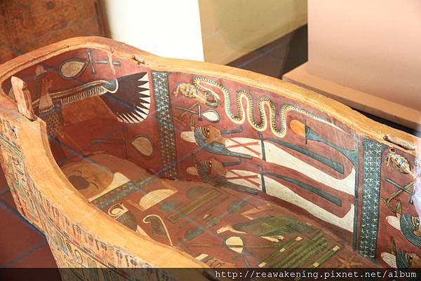0803 人型的棺木 內部有很多埃及象形文字插畫