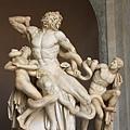 0803 八角形中庭 著名的勞孔雕像 勞孔和他的兒子們正在與蟒蛇搏鬥