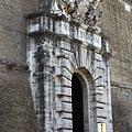 0803 城牆邊的梵蒂岡博物館入口 但我們不是走這個