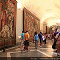 0803 掛毯廳--兩側走廊上都掛著大型壁毯