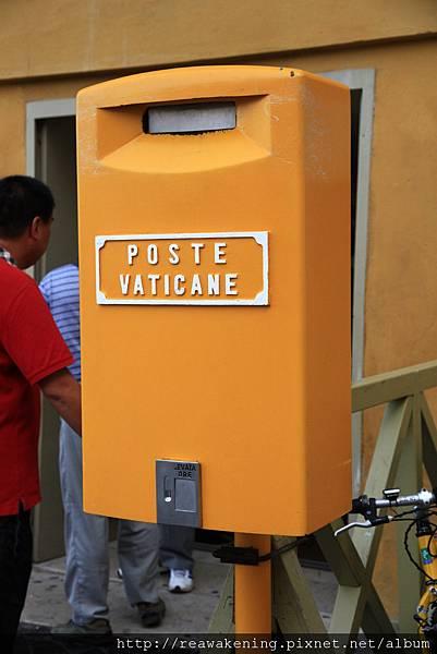 0803 梵蒂岡郵局 竟然還開著 太開心了