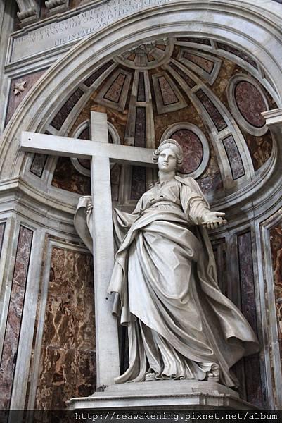 0803 聖彼得大教堂 大概是馬利亞的雕像