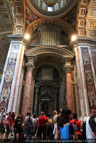0803 聖彼得大教堂 擠滿了參觀的人潮
