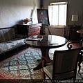 0804 真的是古董一般的房子 裝潢都非常有兩百年前的感覺