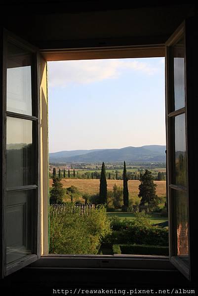 從走廊的窗戶望出去的風景.JPG