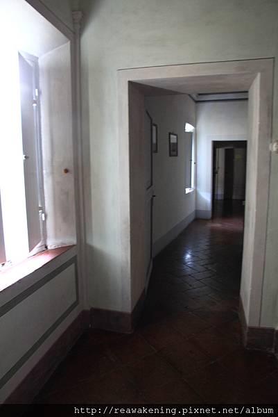 0804 通往房間的走廊