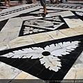 0805 Siena Duomo 門口的黑白大理石地磚